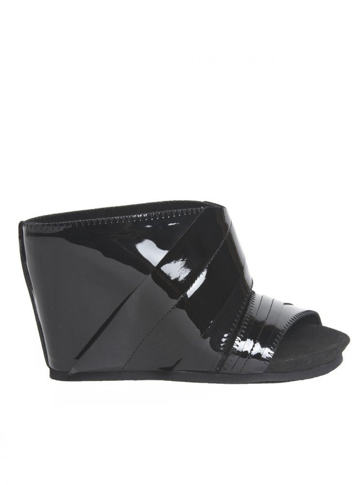 Patent Leather Wedge (SS16-OVERMA-LIGHT BLACK)