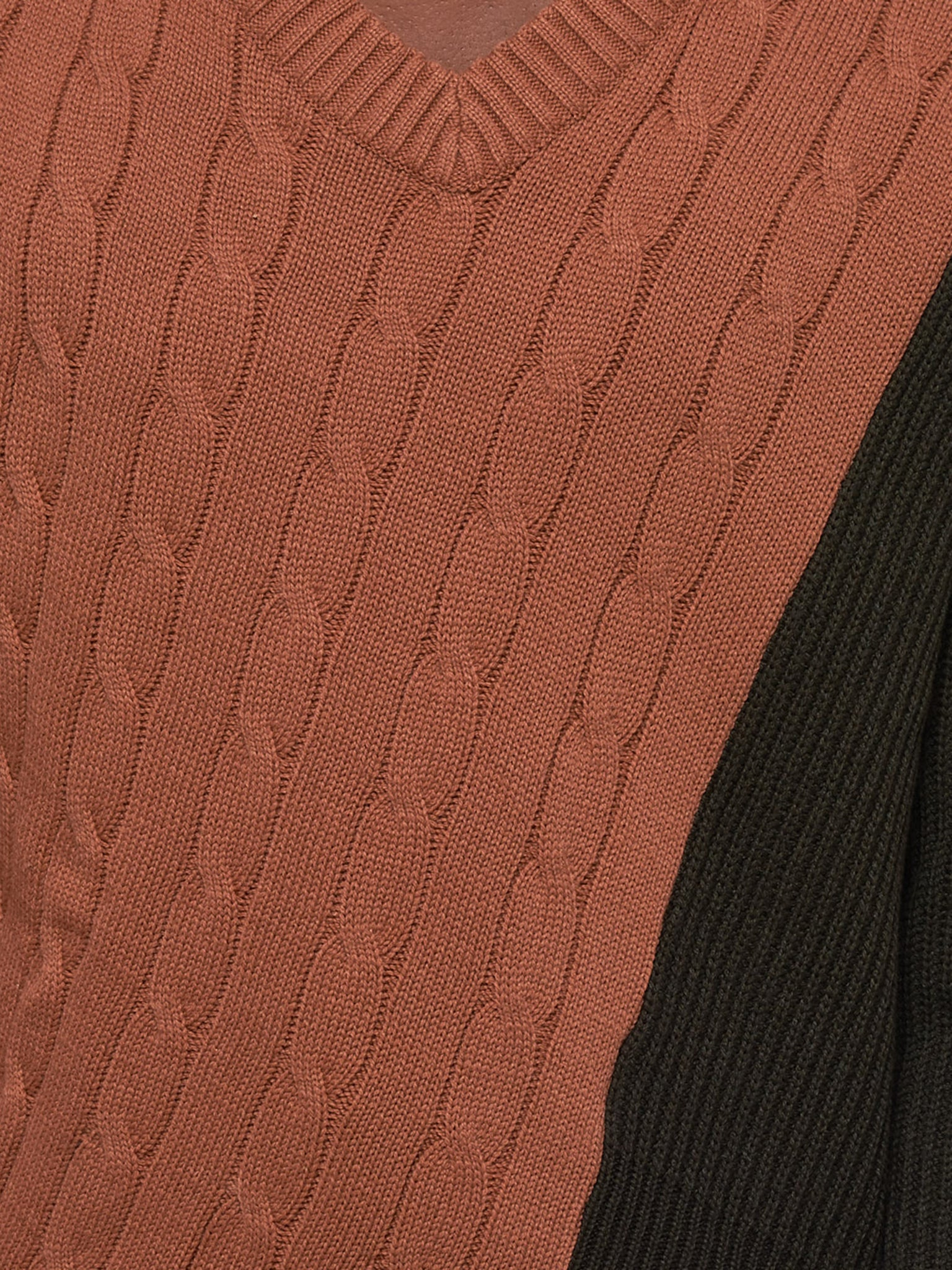 Delada Sweater - Hlorenzo Detail 2