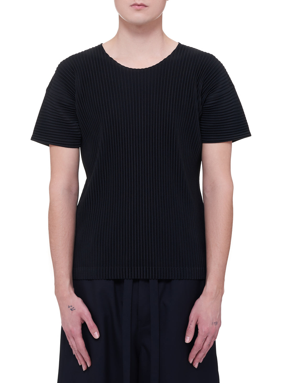 Pleated T-Shirt (HP16JK020-BLACK-BLACK-WHITE)