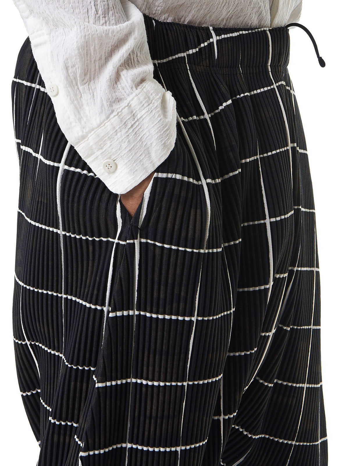Pleated 'Tile' Trousers (HP76JF156-15) - H. Lorenzo