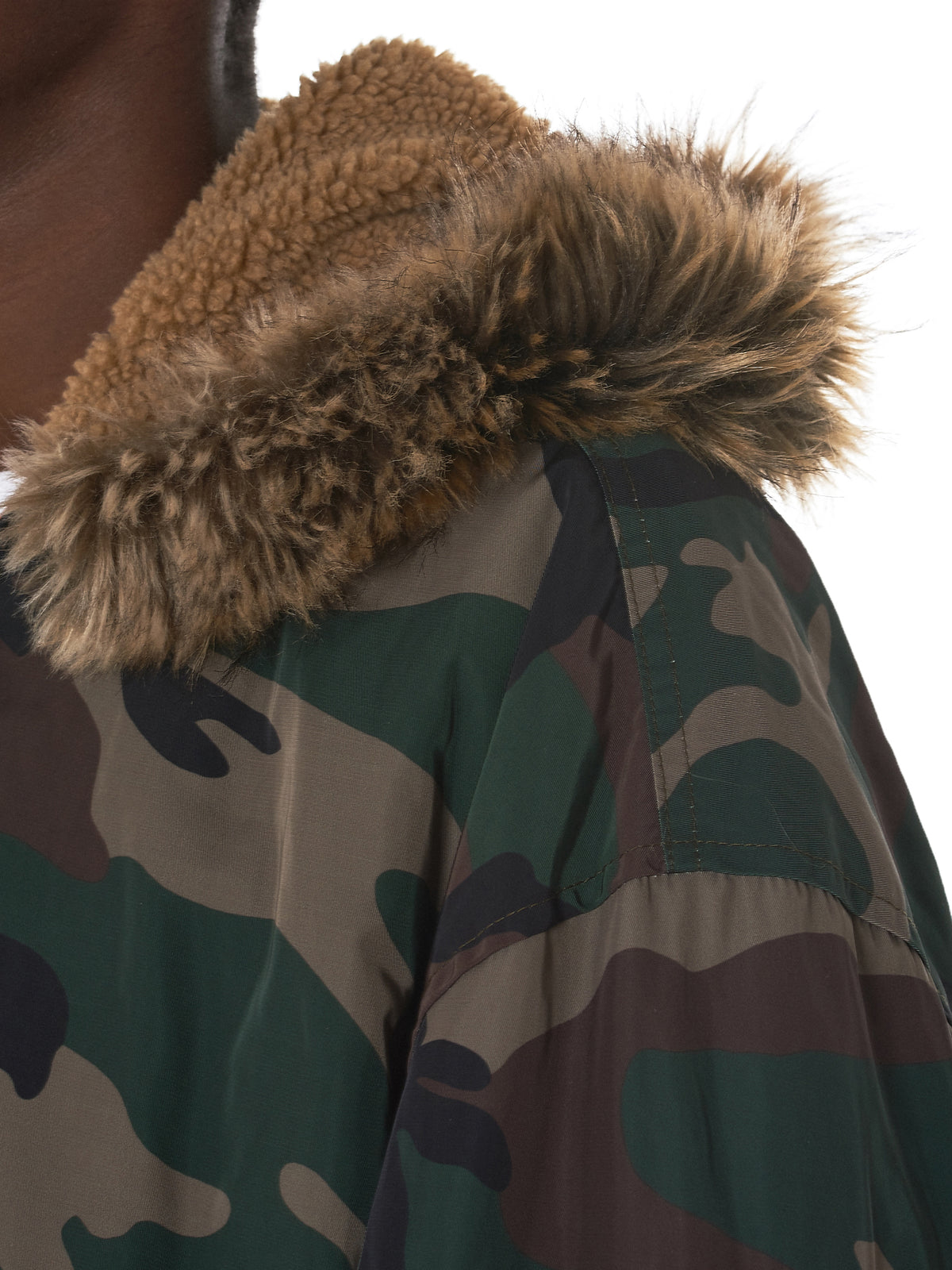Camouflage Hooded Bomber Jacket (KW5U6064-C38)