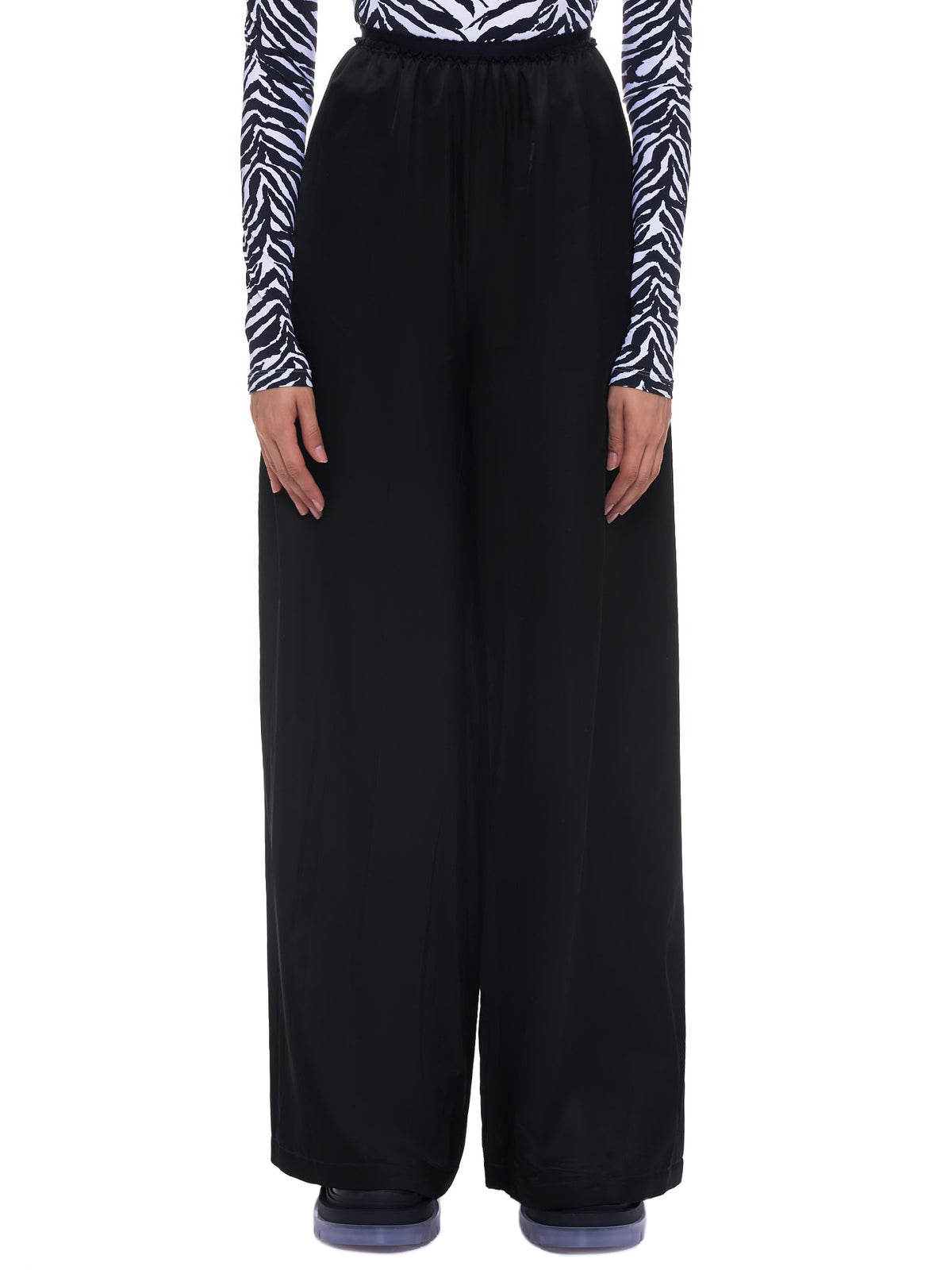 MM6 Maison Margiela Trousers | H.Lorenzo - front