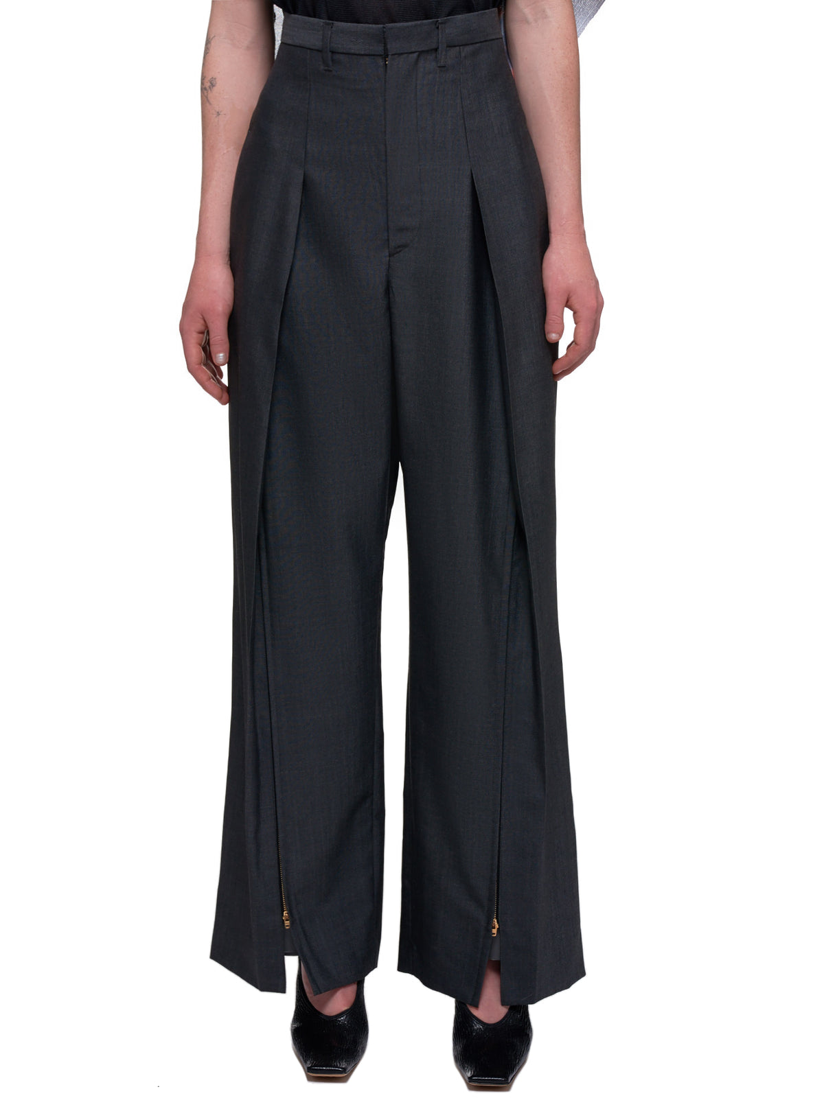 Toga Archives Pants | H.Lorenzo Front