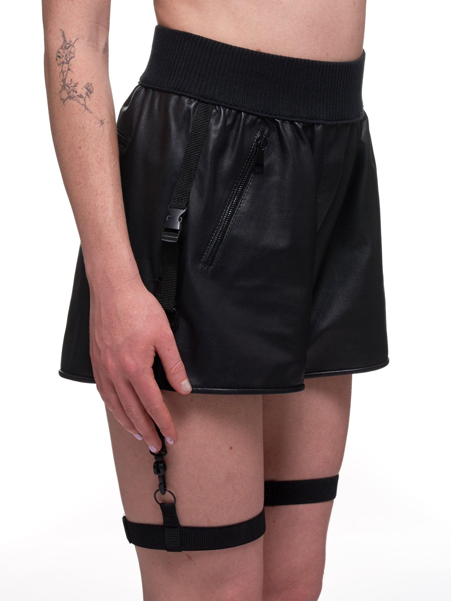 Shadi Shorts (WSH03-BLACK)