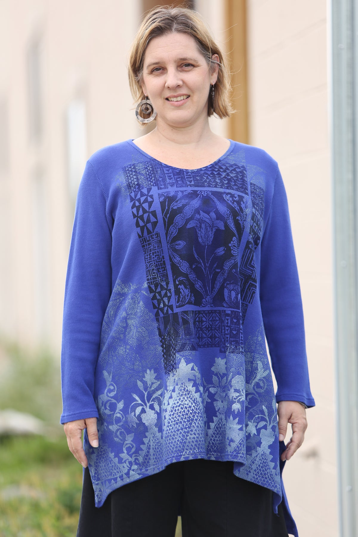 2293 Thermal Voyages Tunic-Blue Spectrum-P