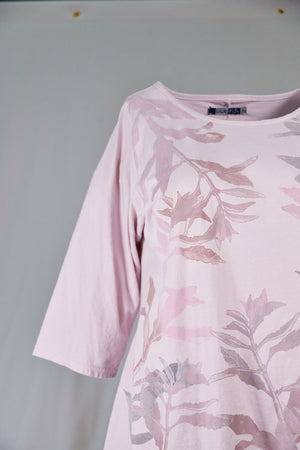 1145 S/S Cafe Tee Rose Water-P Sage Leaves