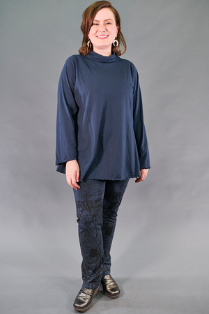 1572 Cowl Cafe Tee-Lux-U