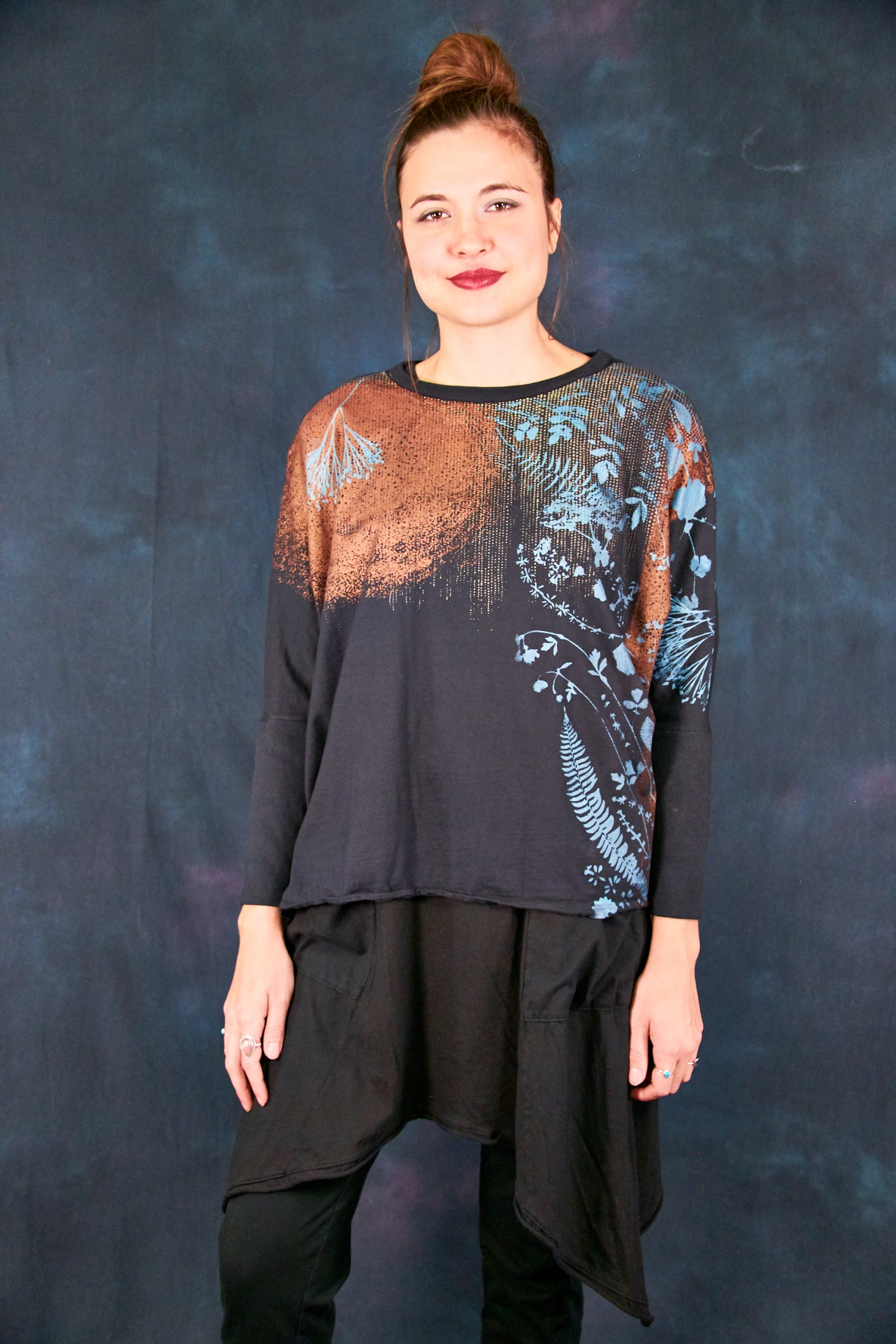 2297 Aria Mariposa Black Copper Fall Floral