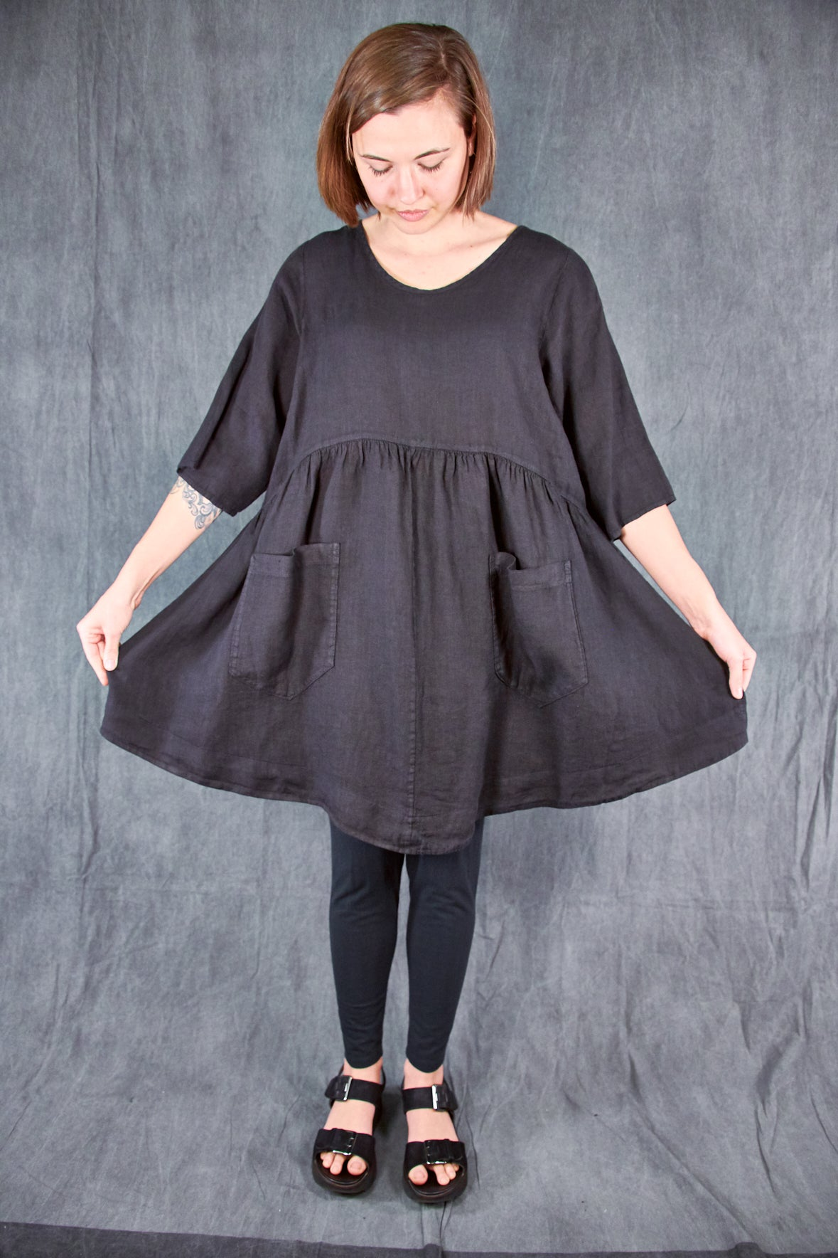 2259 Charleston Linen Tunic Black-U