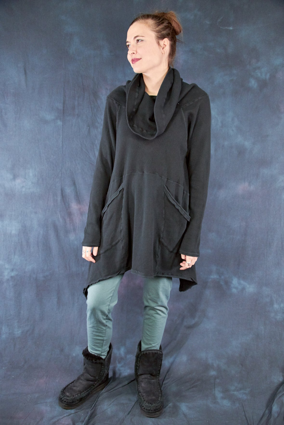 2292-Cowl Thermal Pocket Tunic-Black-U