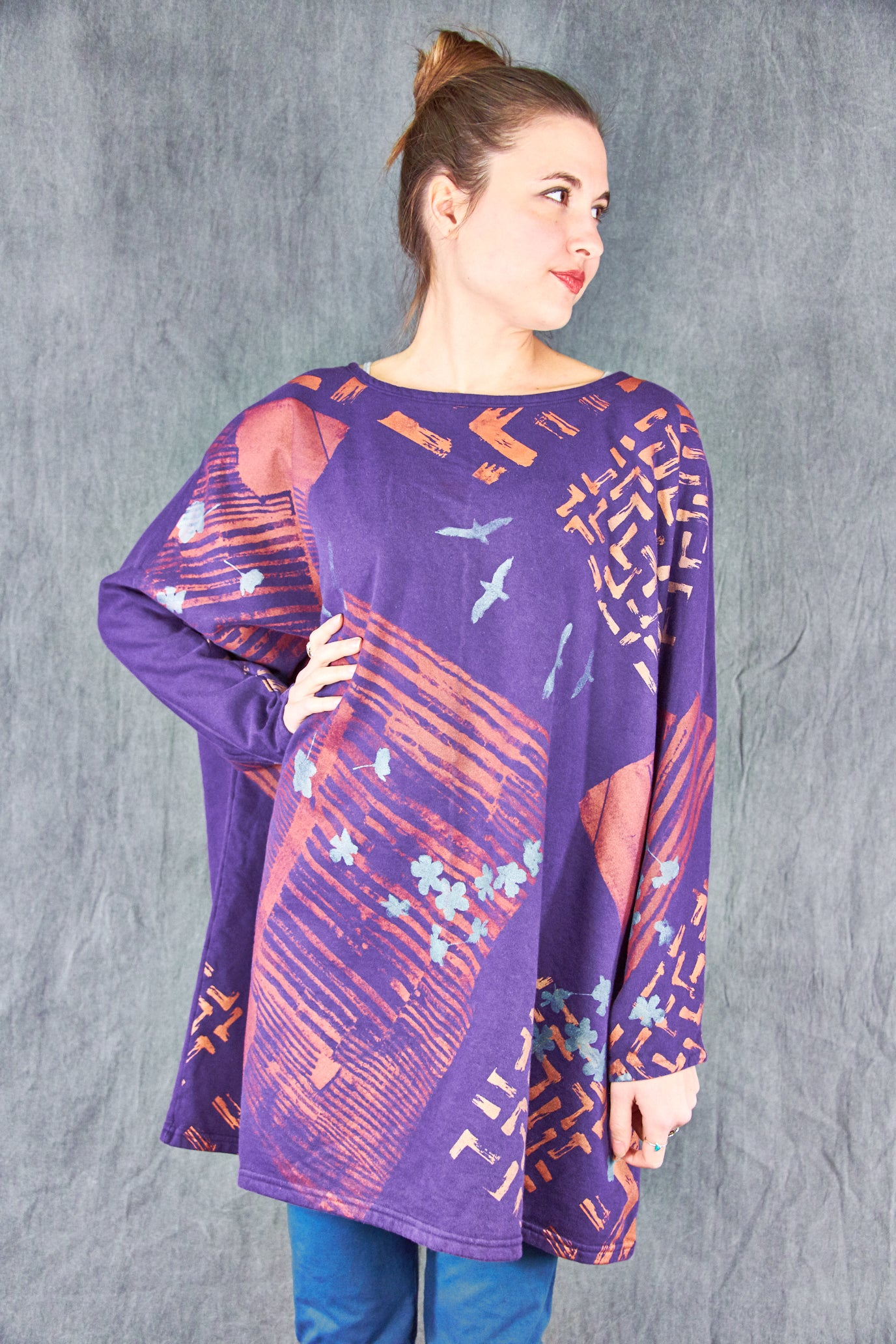 2304 Modern Sweatshirt Purple-P