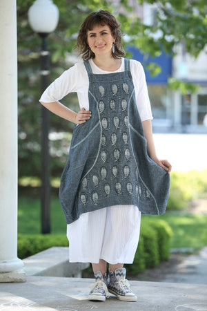 6201 Chambray Curve Apron UNPRINTED