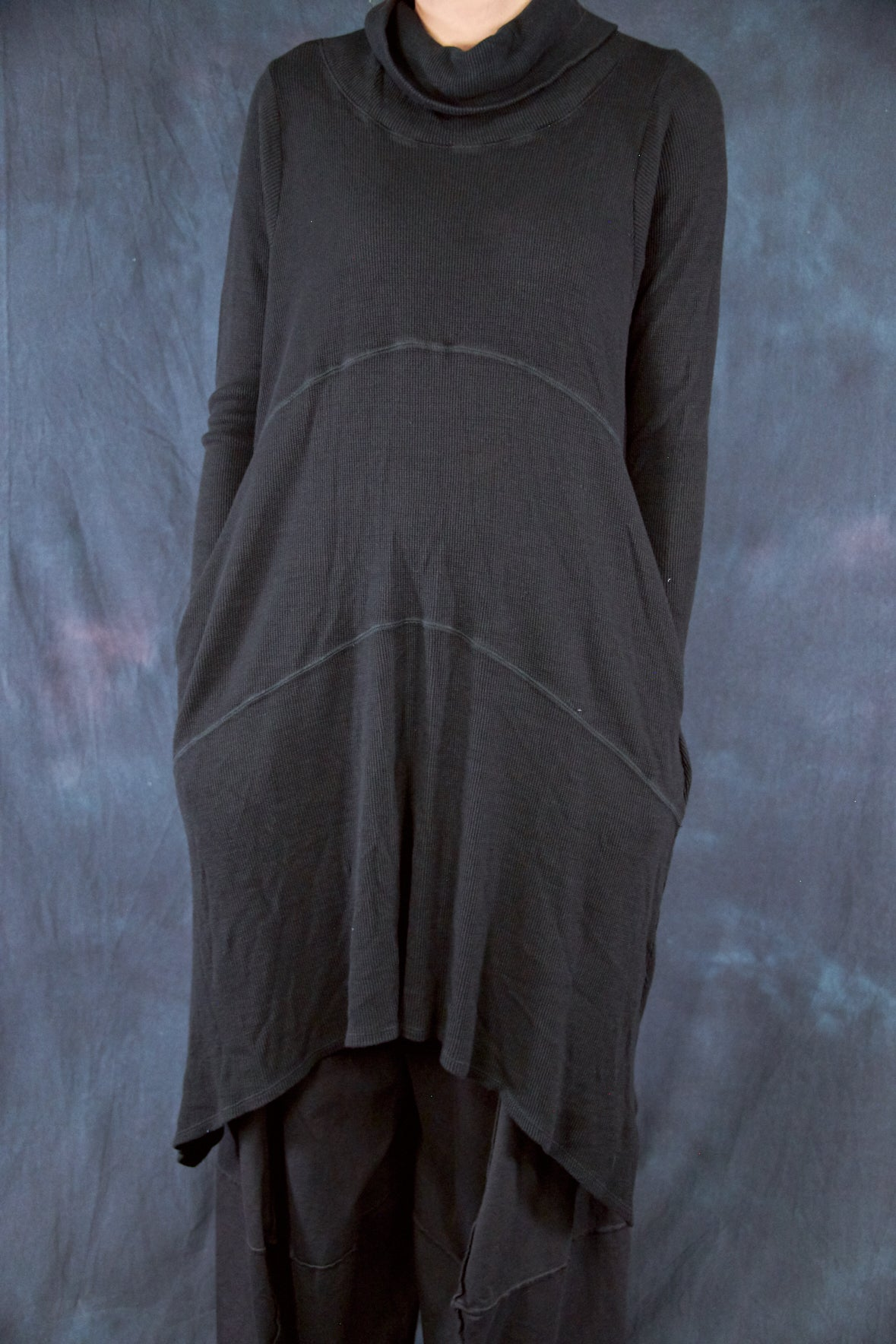 7220 Thermal Cowl Dress with Pockets Black-U
