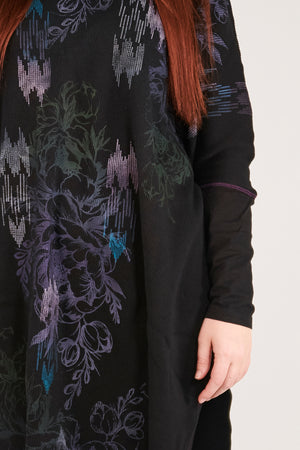 2251 Natural City Tunic-Black- Nouveau Floral Cascade Pattern