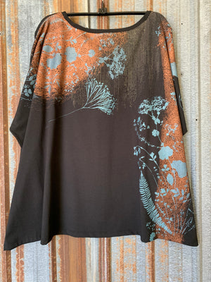 2218 Mariposa Square Top Black Copper Fall Floral