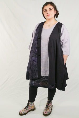 6206 Victoria Vest- Black Grape