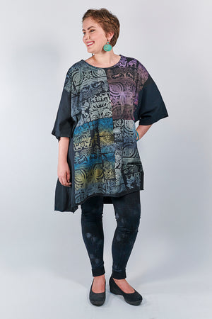 1255 Oversized Tunic Tee-Black-Animal Garden (secret horses)