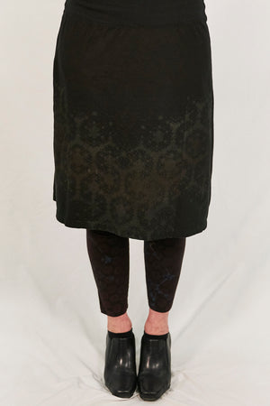 4169  Layer Skirt black with soft brown tones