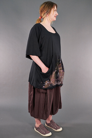 2187-2  Be Here Now Tunic Magpie Black-P