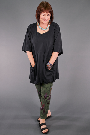 2187-2  Be Here Now Tunic Magpie Black-U