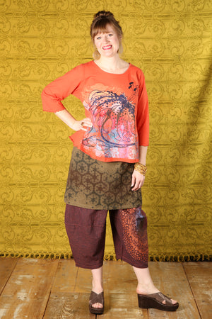 1145 S/S Spring Length Cafe Tee-Saffron-Printed Wild Lily