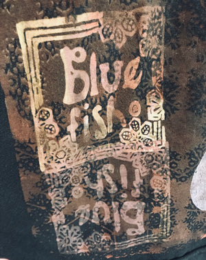 Blue Fish Print Cafe Tee