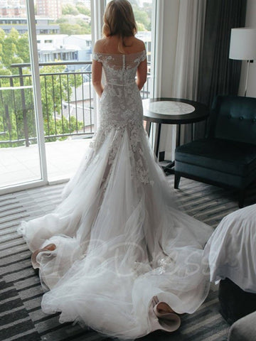 products/A-LINE_WEDDING_DRESS_BACK.jpg
