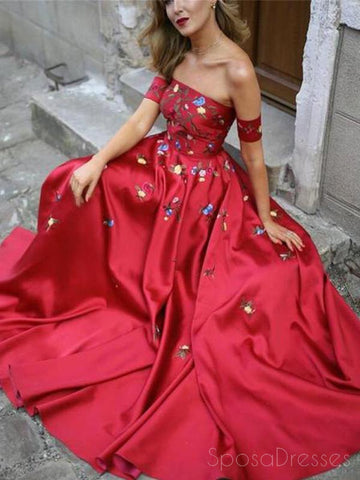 products/red_prom_dress_218d7b7f-ee0b-4462-bb71-99cef8ca59e4.jpg