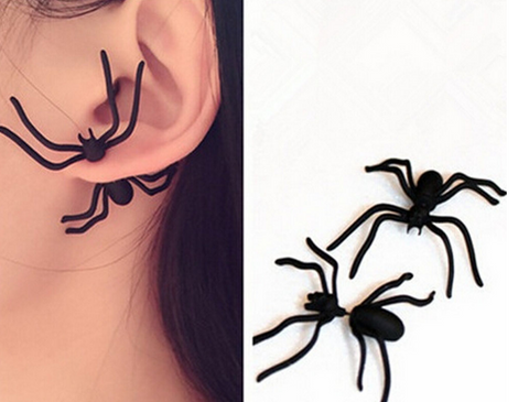Black Spider Ear Gauge