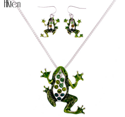 Green Crystal Unique Frog Necklace