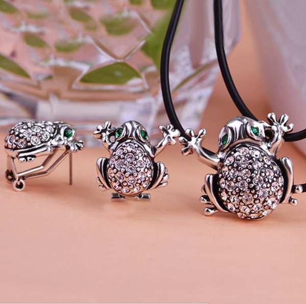 Anti Silver Frog Leather Jewelry