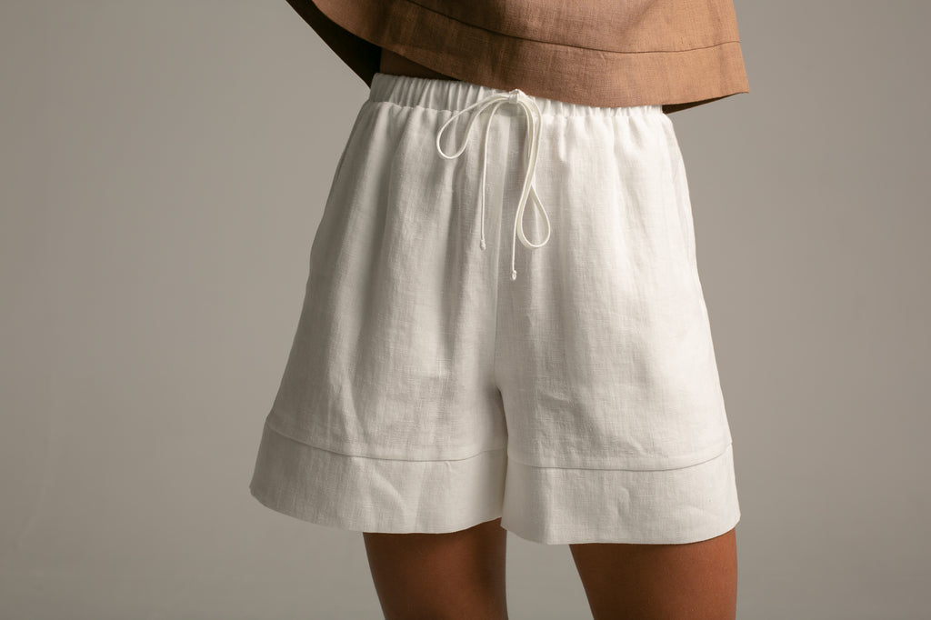 Shorts / Milk White