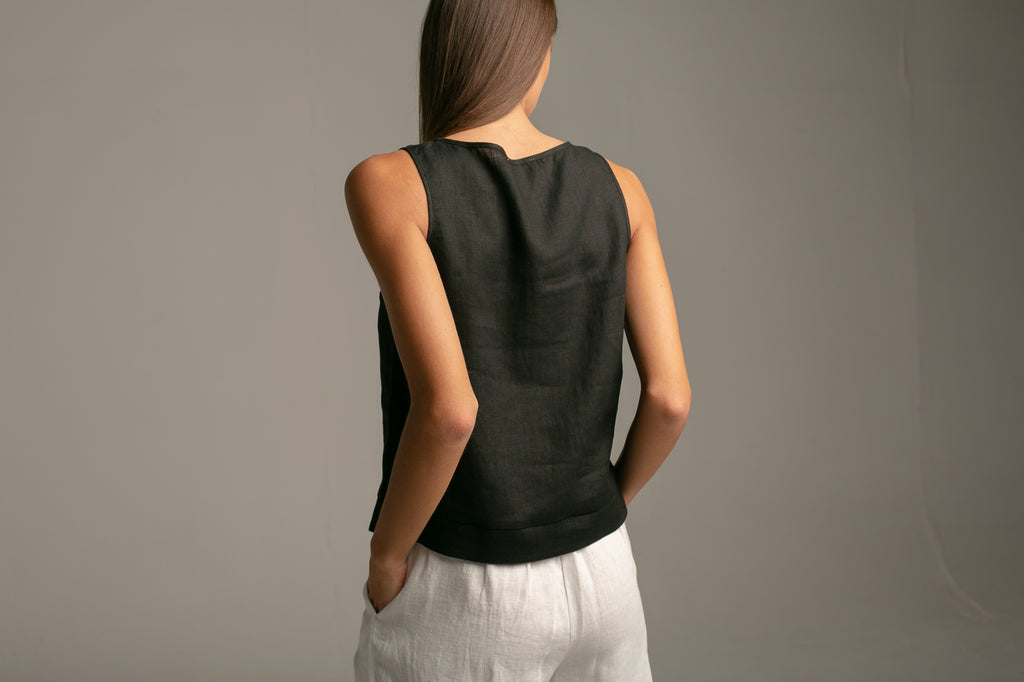 Sleeveless top / Black