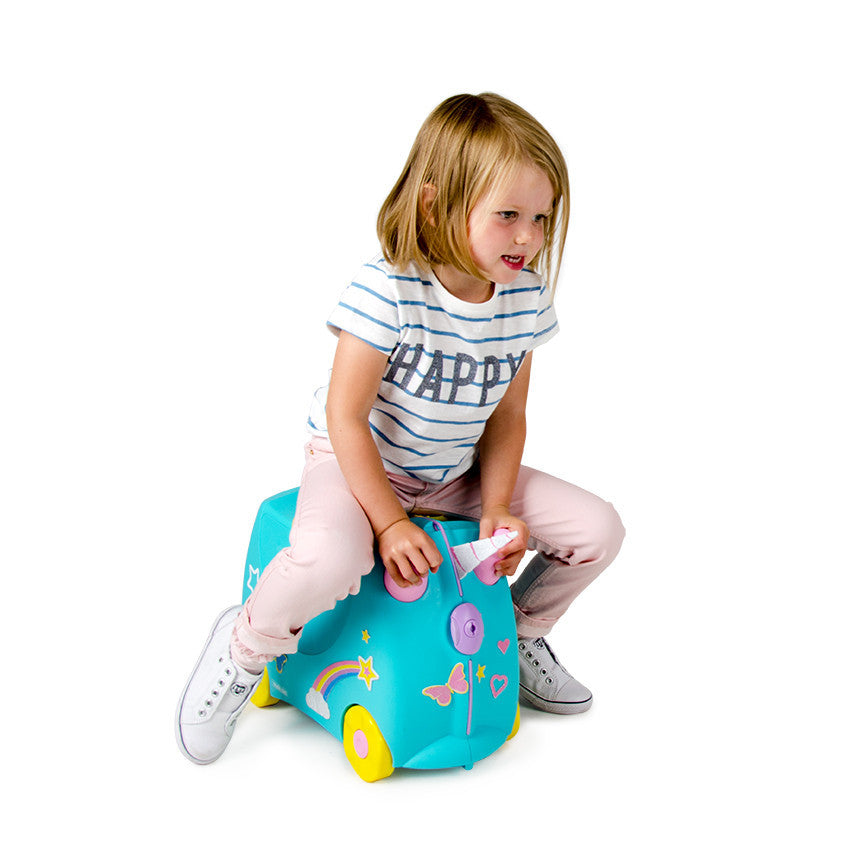 Una the Unicorn Trunki