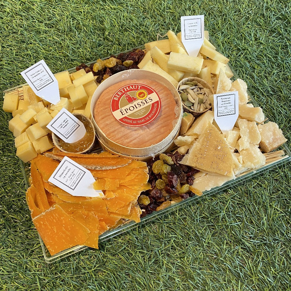 Premium Aged and Pungent Cheese Platter (1.2 kg)