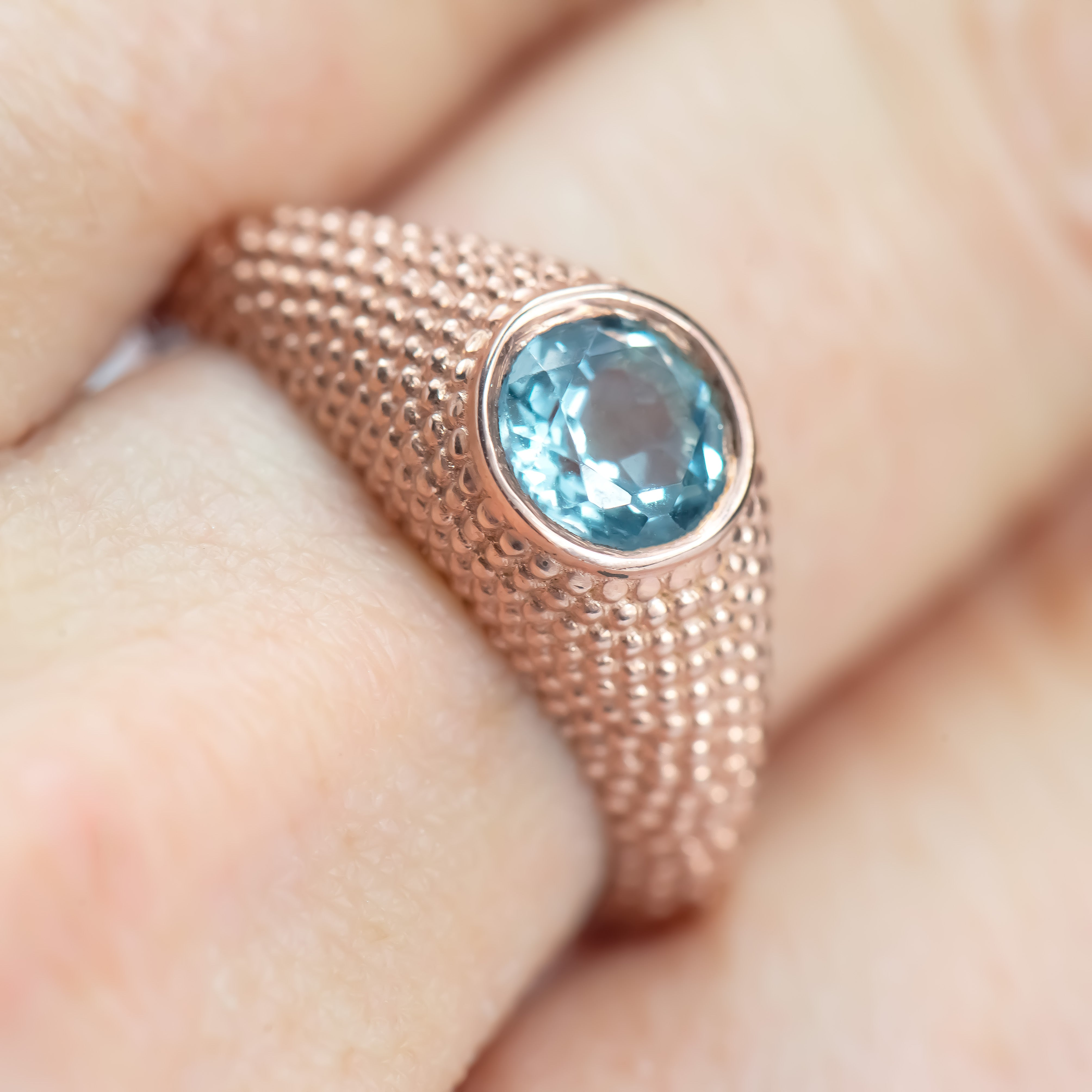 Nubia Round Blue Topaz Rose Gold Ring Size 7.5US - Manari Design