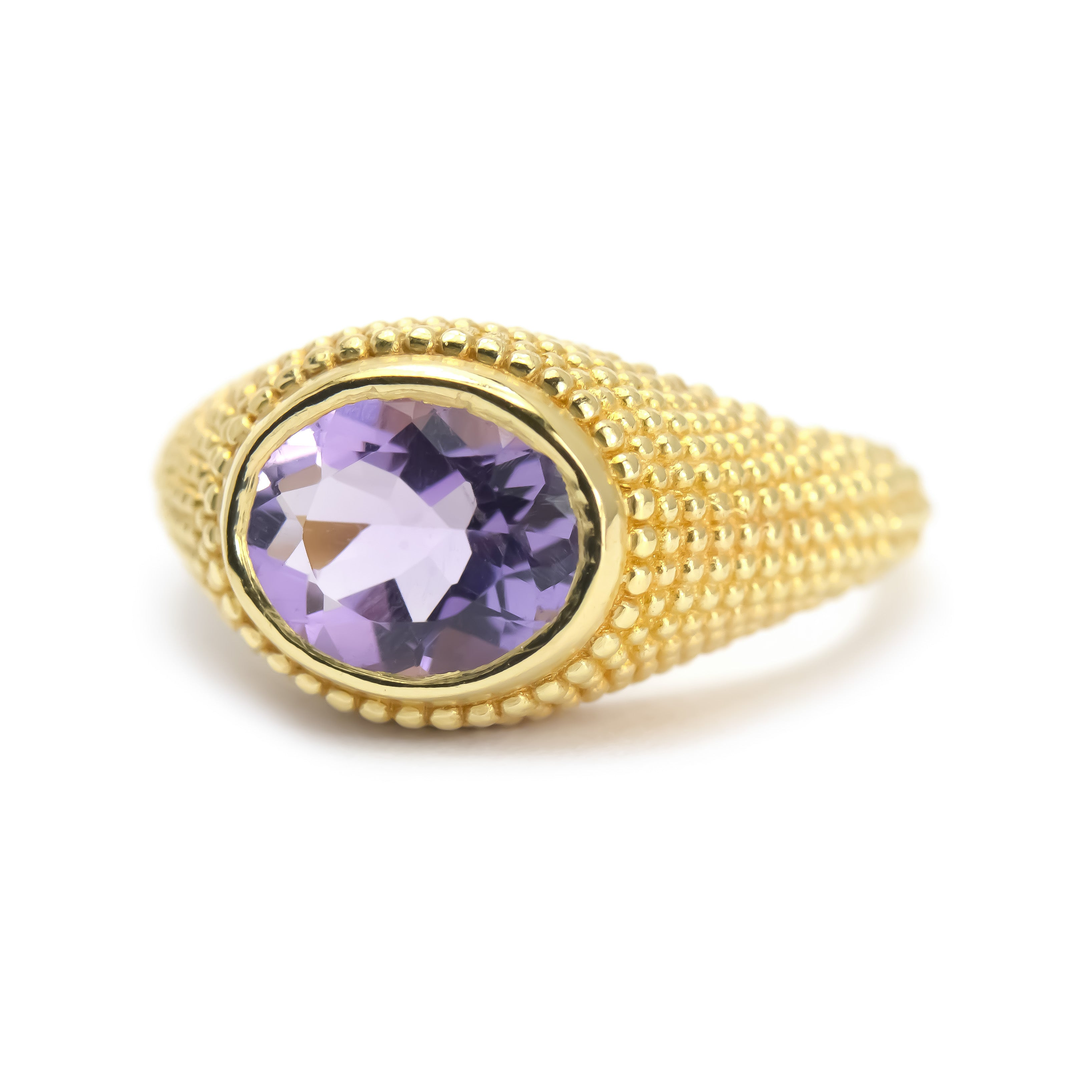 Nubia Oval Amethyst Yellow Gold Ring Size 7US - Manari.eu