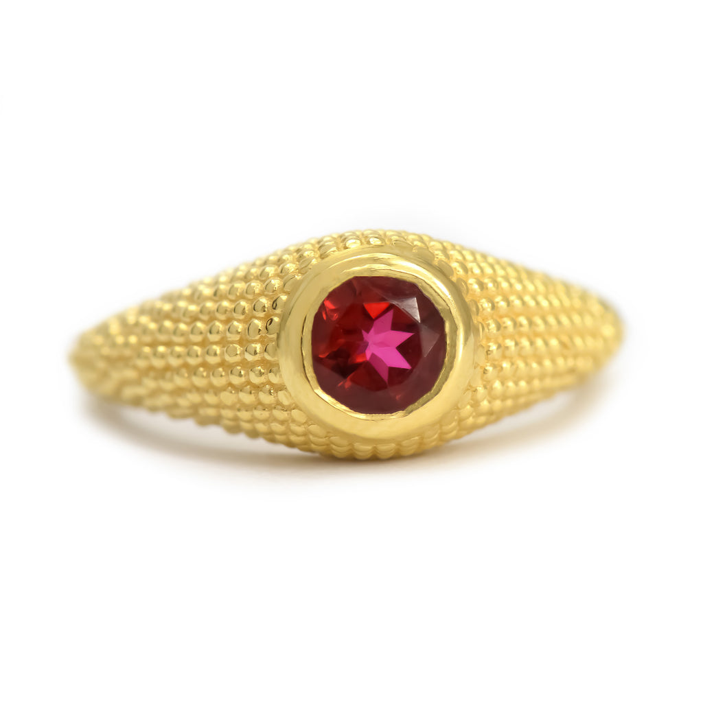 Nubia Round Red Topaz Yellow Gold Ring Size 7US - Manari.eu