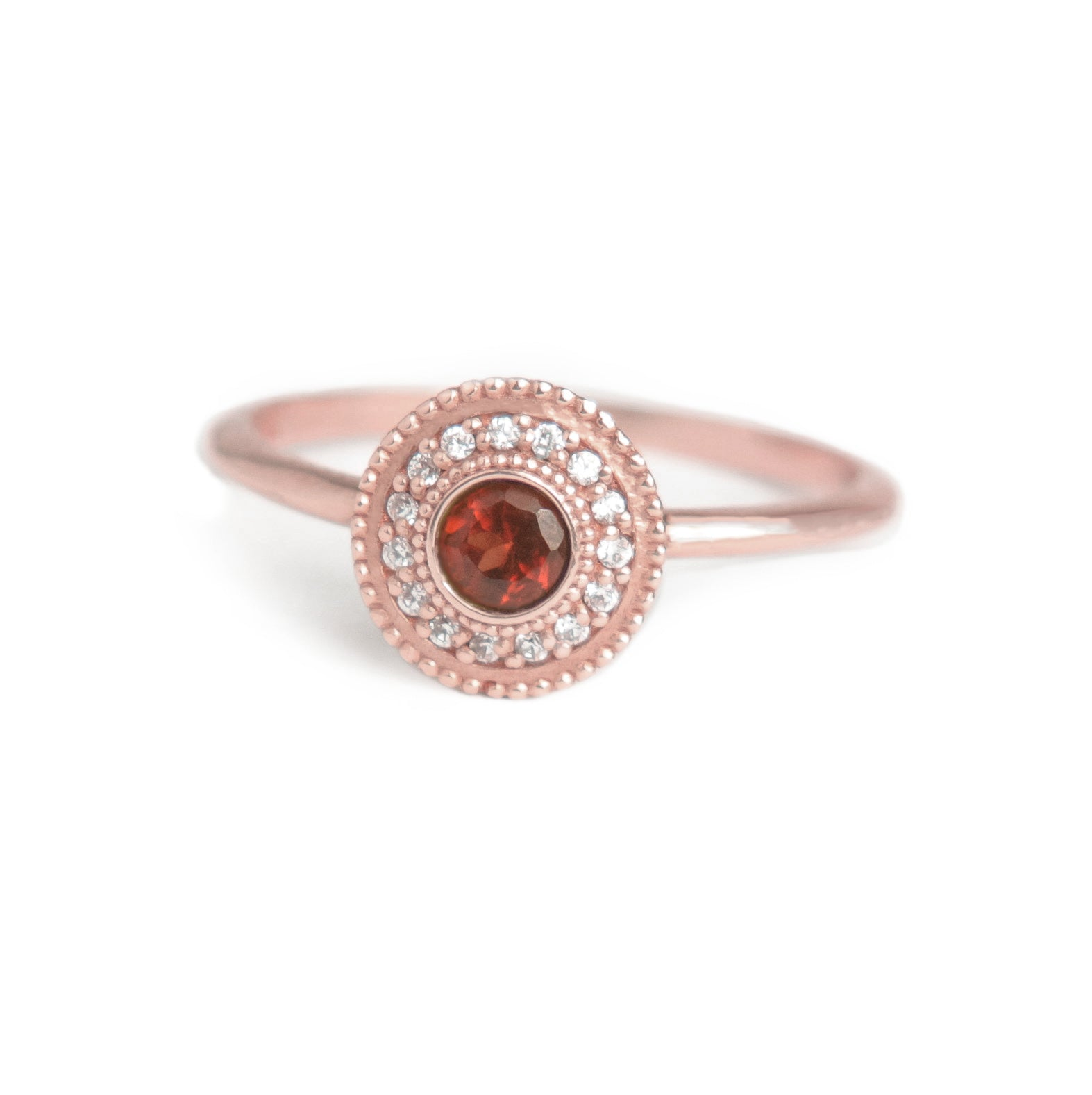 Leila Garnet Diamond Ring - MANARI.eu