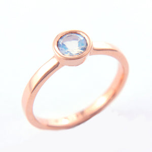 Moonstone Gold Ring 14k - Manari Design
