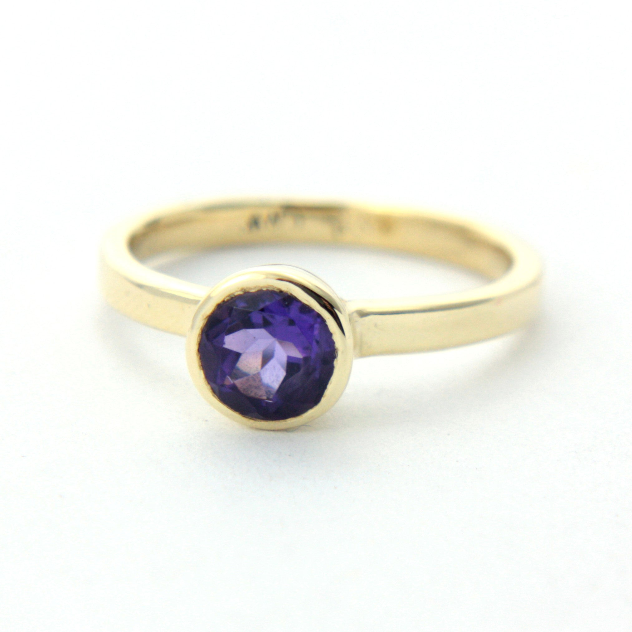 Amethyst Yellow Gold Ring - MANARI.eu