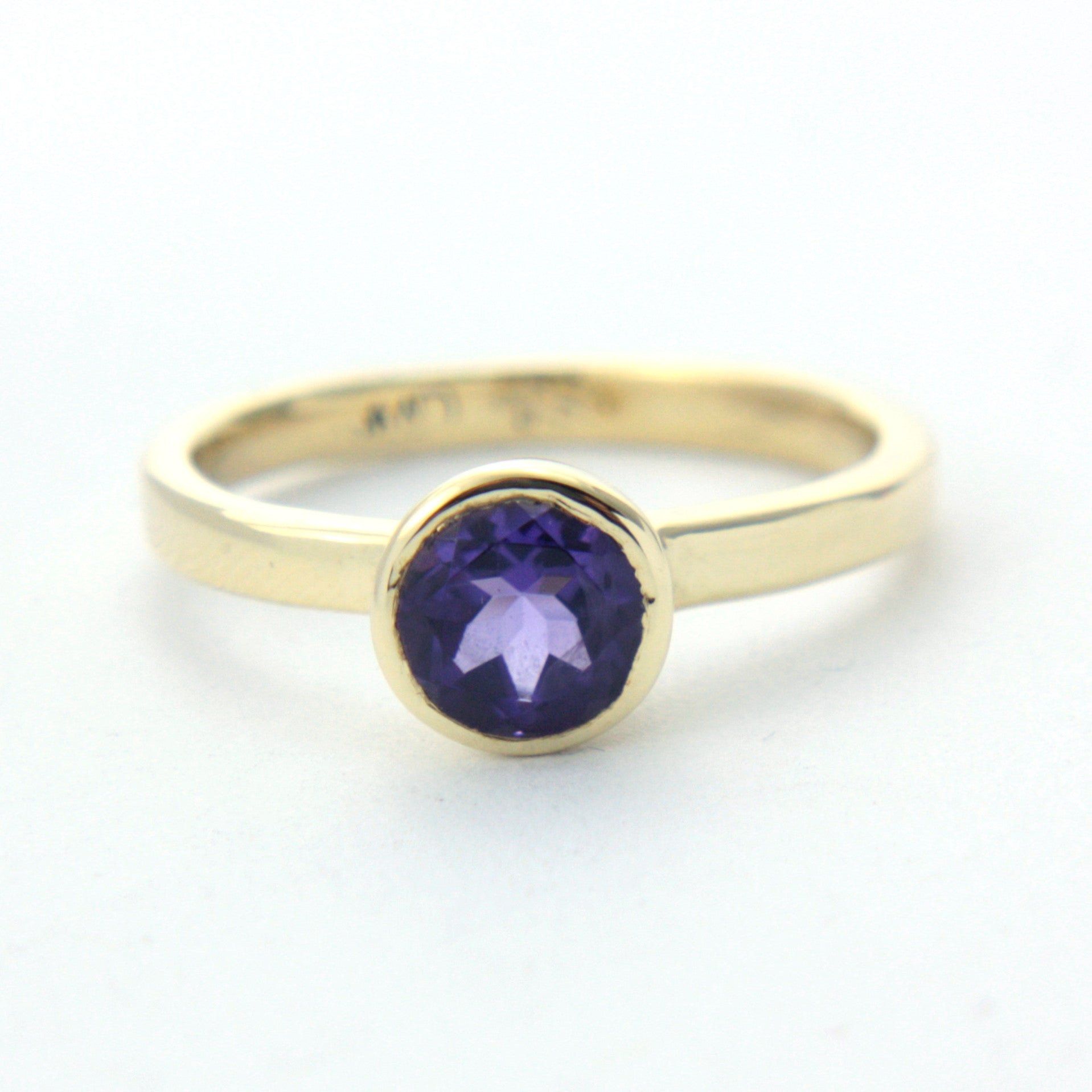 Amethyst Yellow Gold Ring - Manari Design