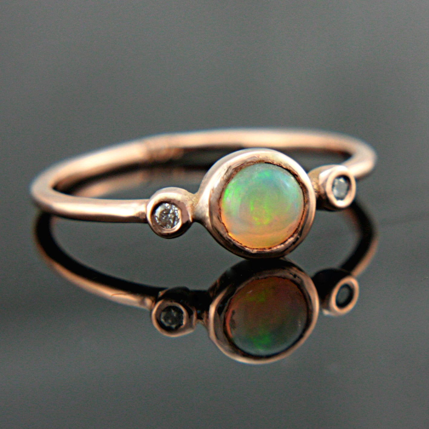 Opal and Diamond Gold 14k Ring - MANARI.eu