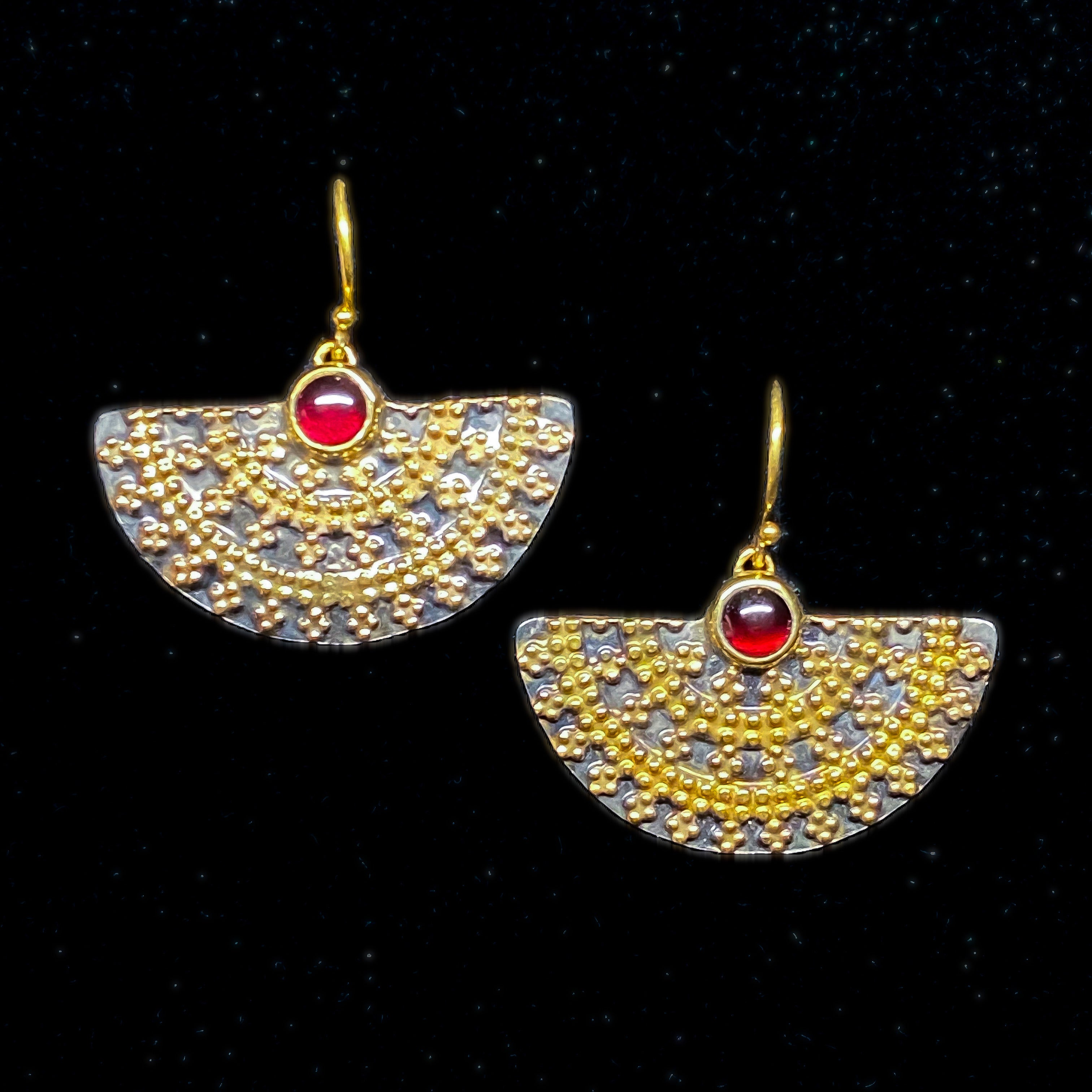 Red Garnet Royal Black & Gold Earrings Sterling Silver - Manari.eu