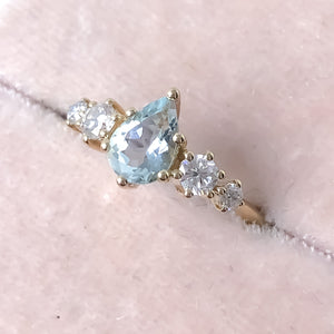 Betty Aquamarine Diamond/Mossanite Ring - MANARI.eu