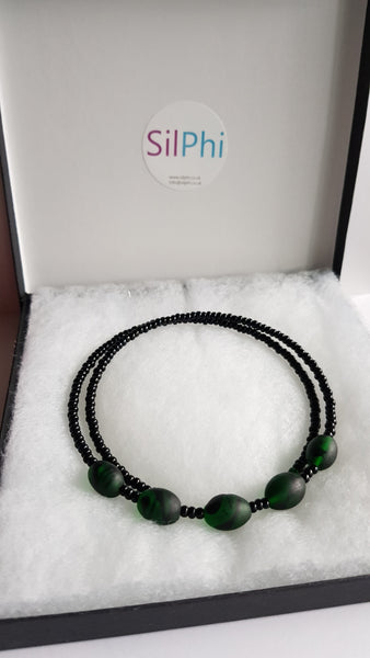 Dark green and black choker