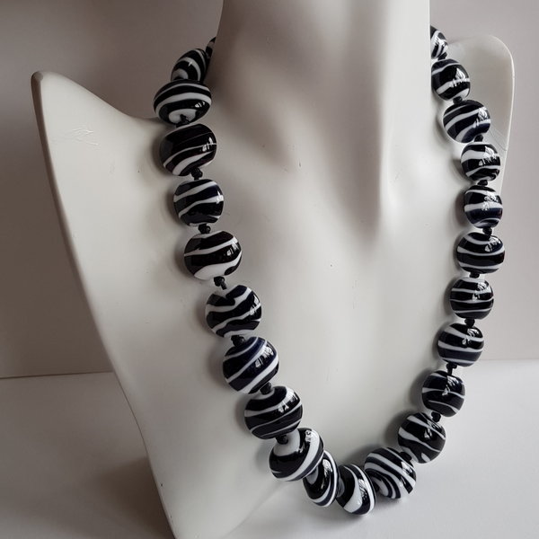 Black and White Pebbles Necklace