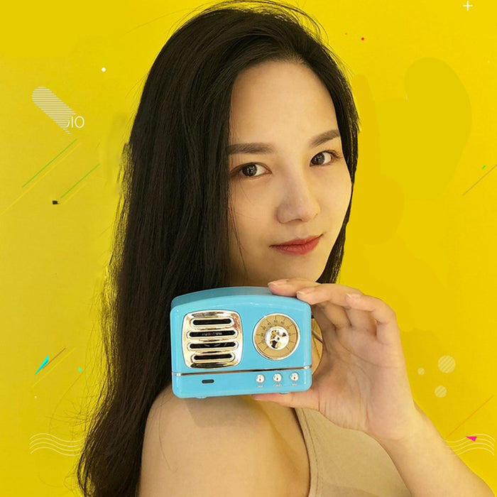 Retro Style Bluetooth Speaker - Gadget World