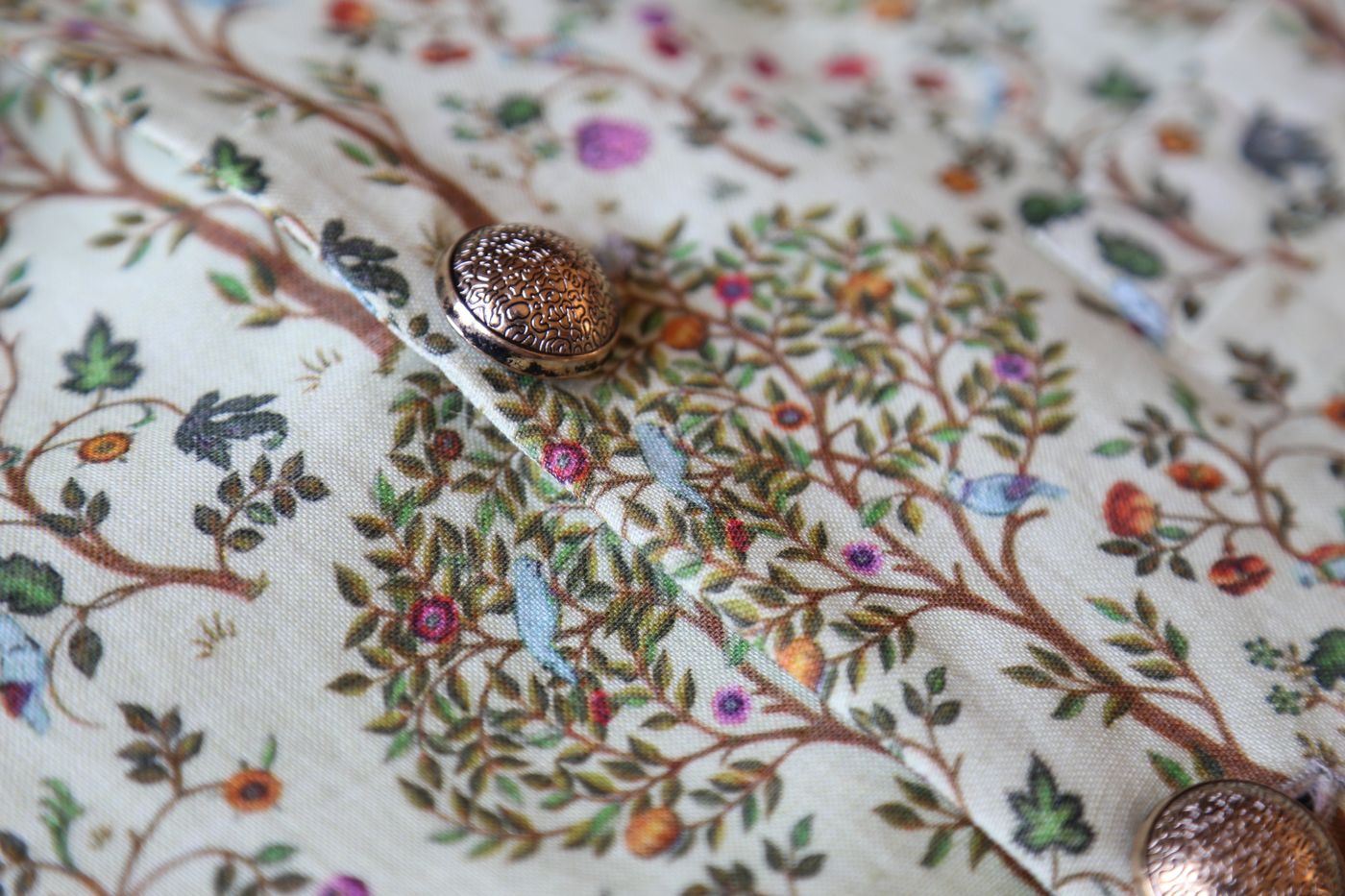 PISTACHIO LINEN BANDI WITH TREE OF LIFE PRINT