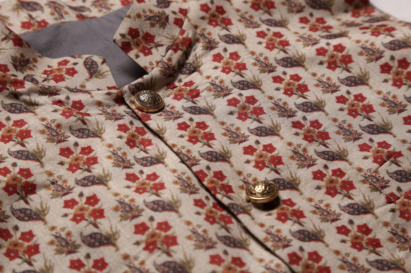 COTTON SILK BANDI WITH ALL-OVER FLORAL MOTIFS